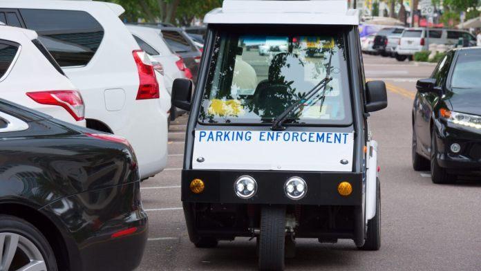 Parking Enforcement via Automatic Vehicle Chalking (ID)